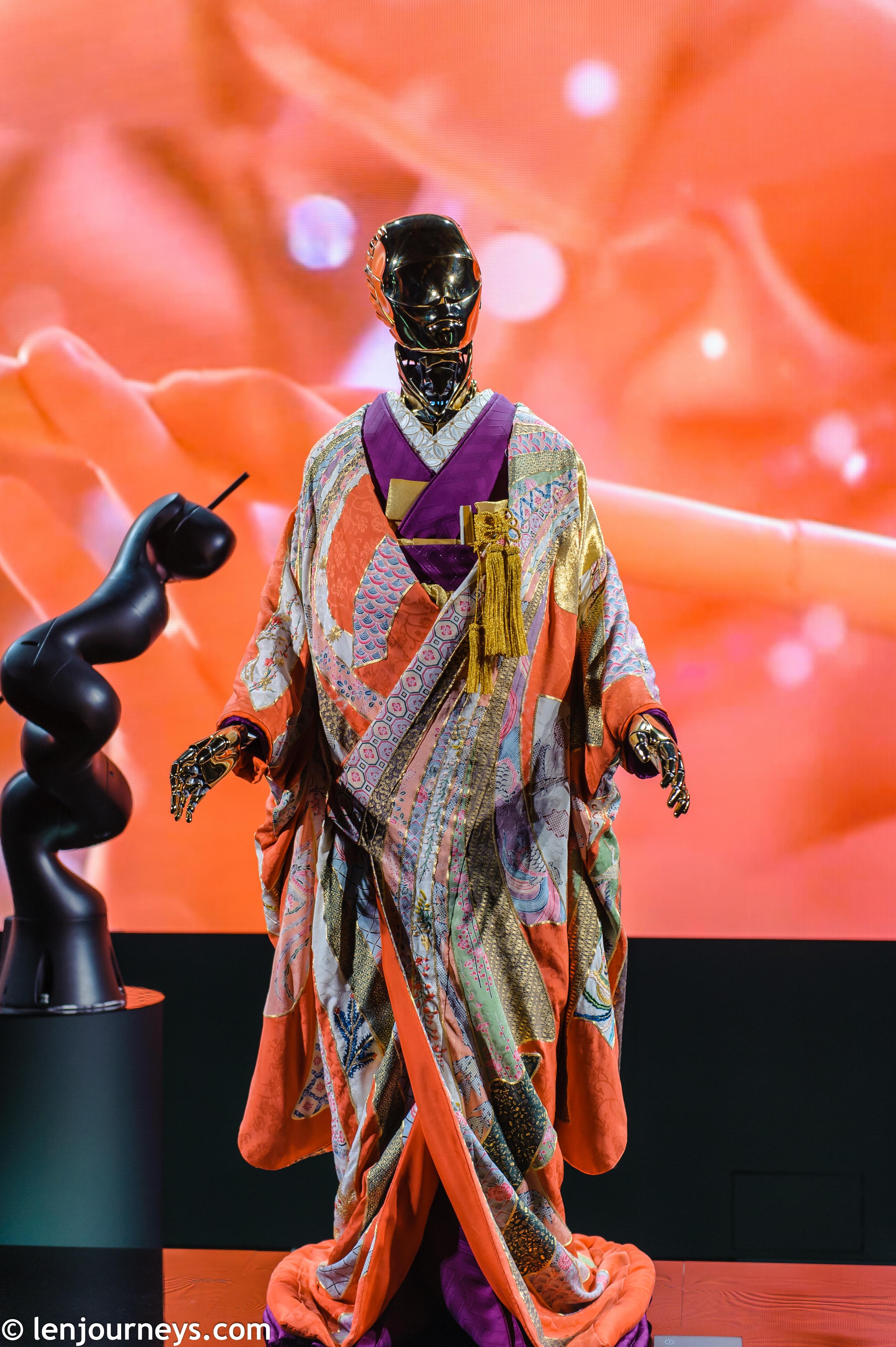 Robot wearing kimono