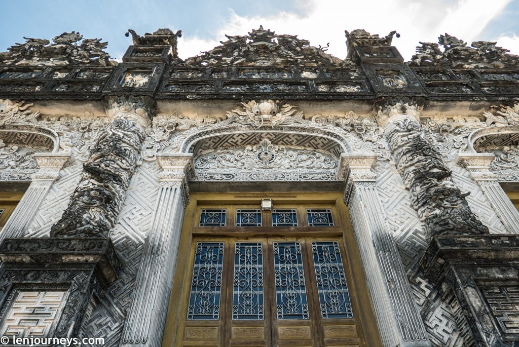 The outer appearance of Thien Dinh Palace