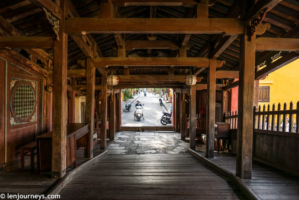 Inside the Japanese Bridge