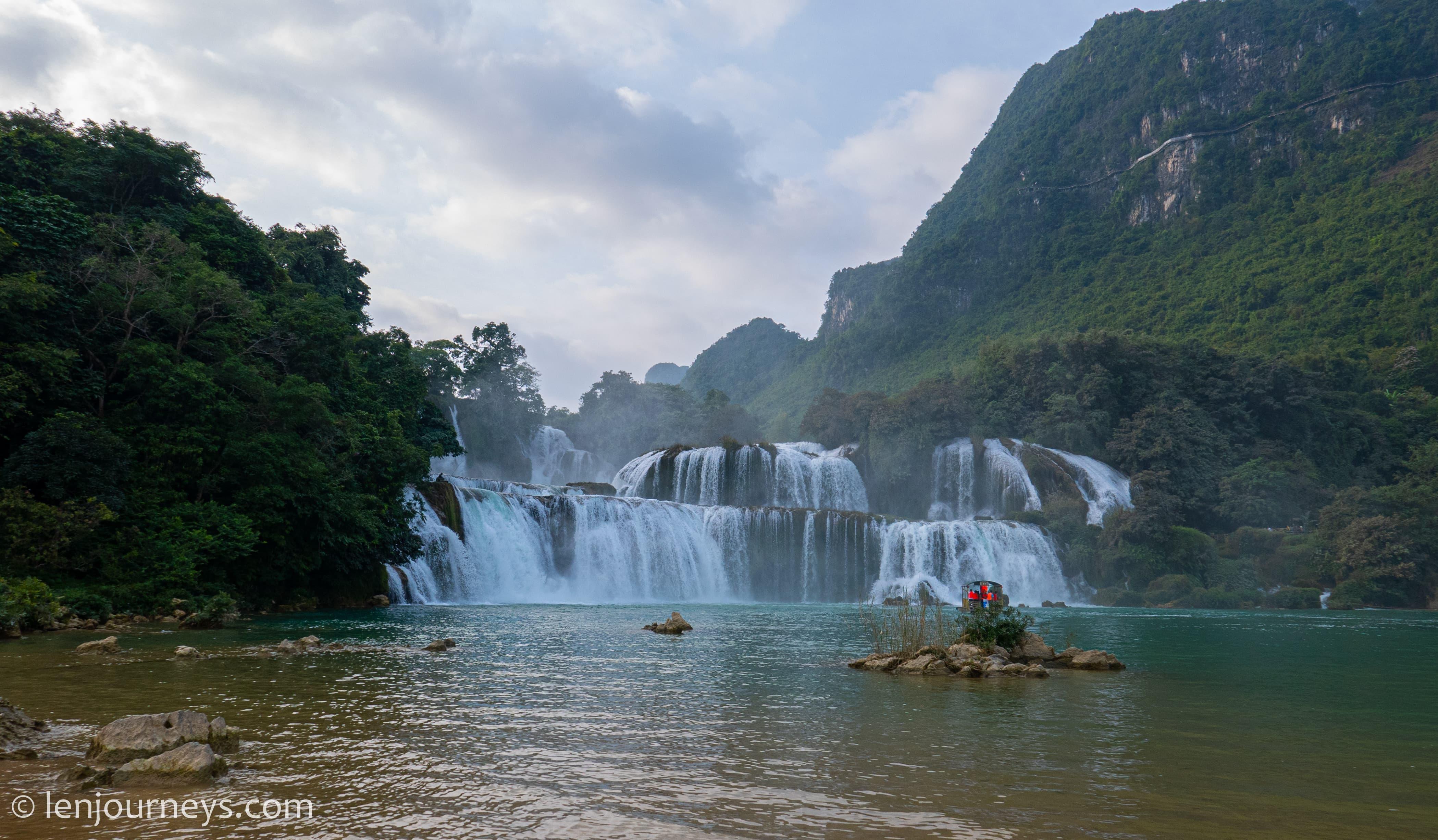 Ban Gioc Waterfall, Cao Bang